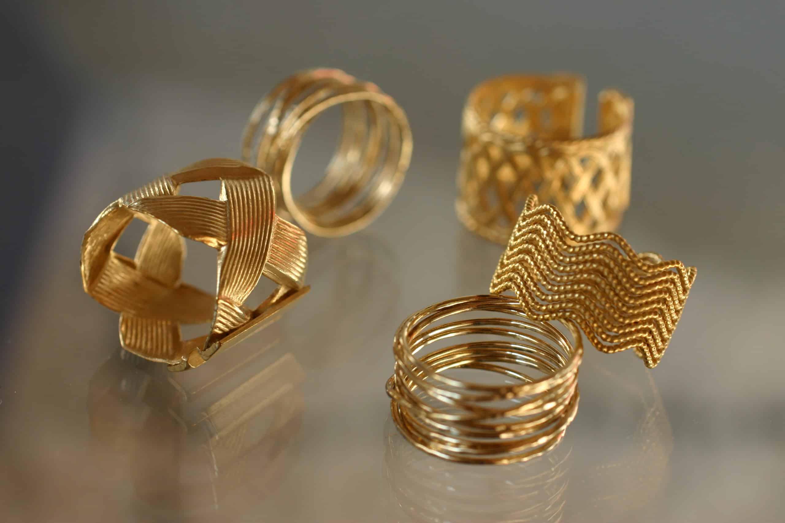 anillo ajustable dorado arcade collection constance complementos joyas moda mujer