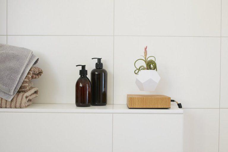 Lyfe planter flyte floating vase design technology l'erudite concept store plant home decoration