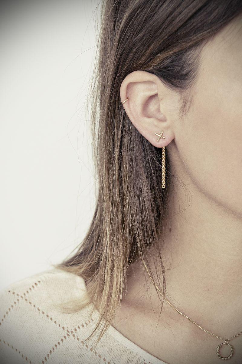 boucles d'oreille pendantes longues dorées coralie de seynes l'Erudite Concept Store handmade brass