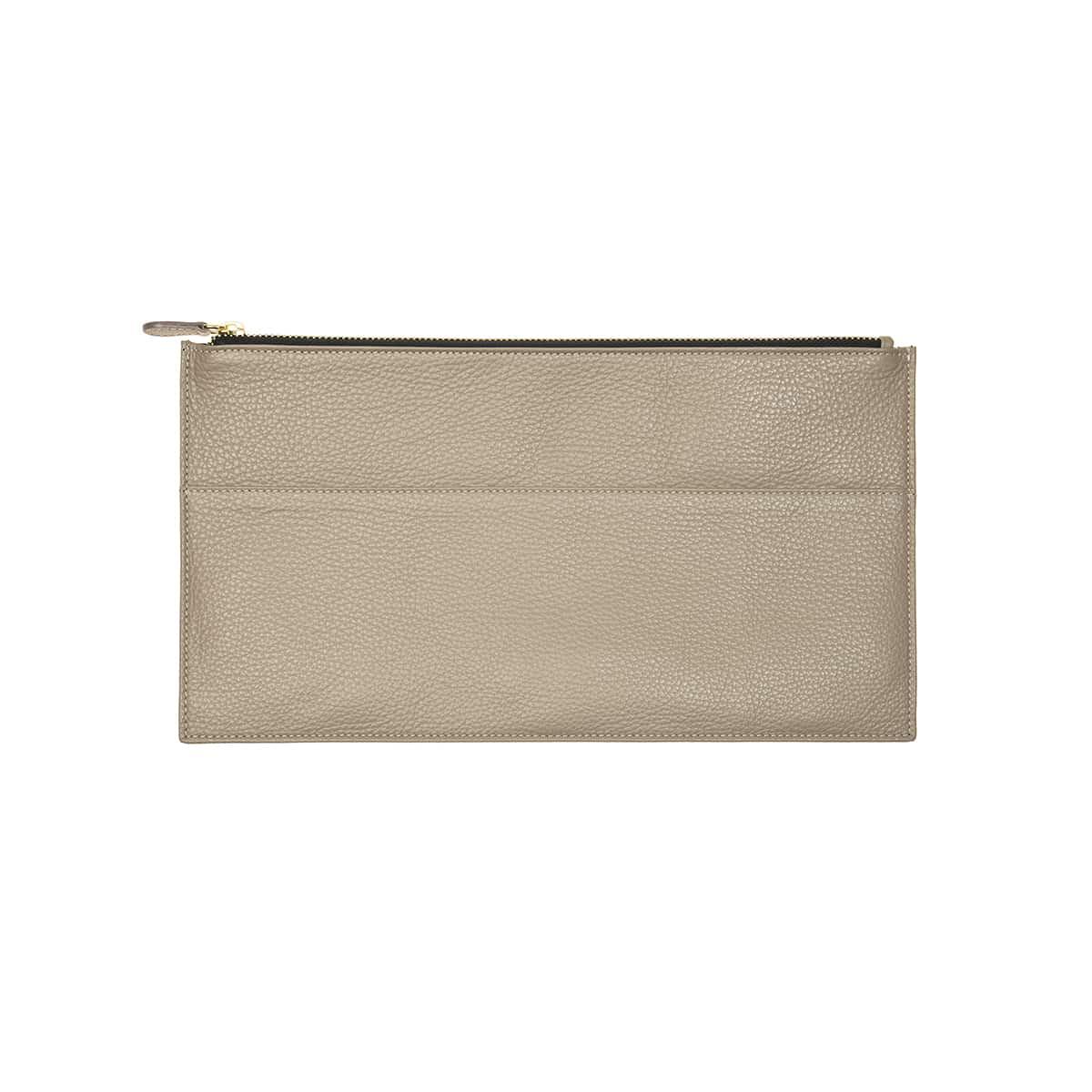 Pochette plate  cuir handmade taupe CORALIE DE SEYNES L'Erudite Concept Store