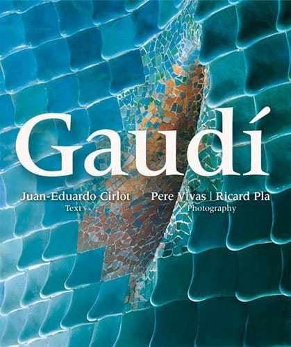 triangle gaudi voyage art photographies architecture livre