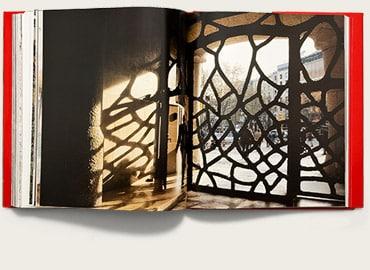 libro gaudi arquitectura arte triangle fotografias barcelona
