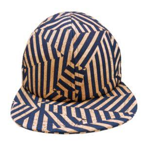 Gorra de edición limitada hecha a mano en denim con visera corta y plana. Exclusivo diseño de cebra en cuero de corcho