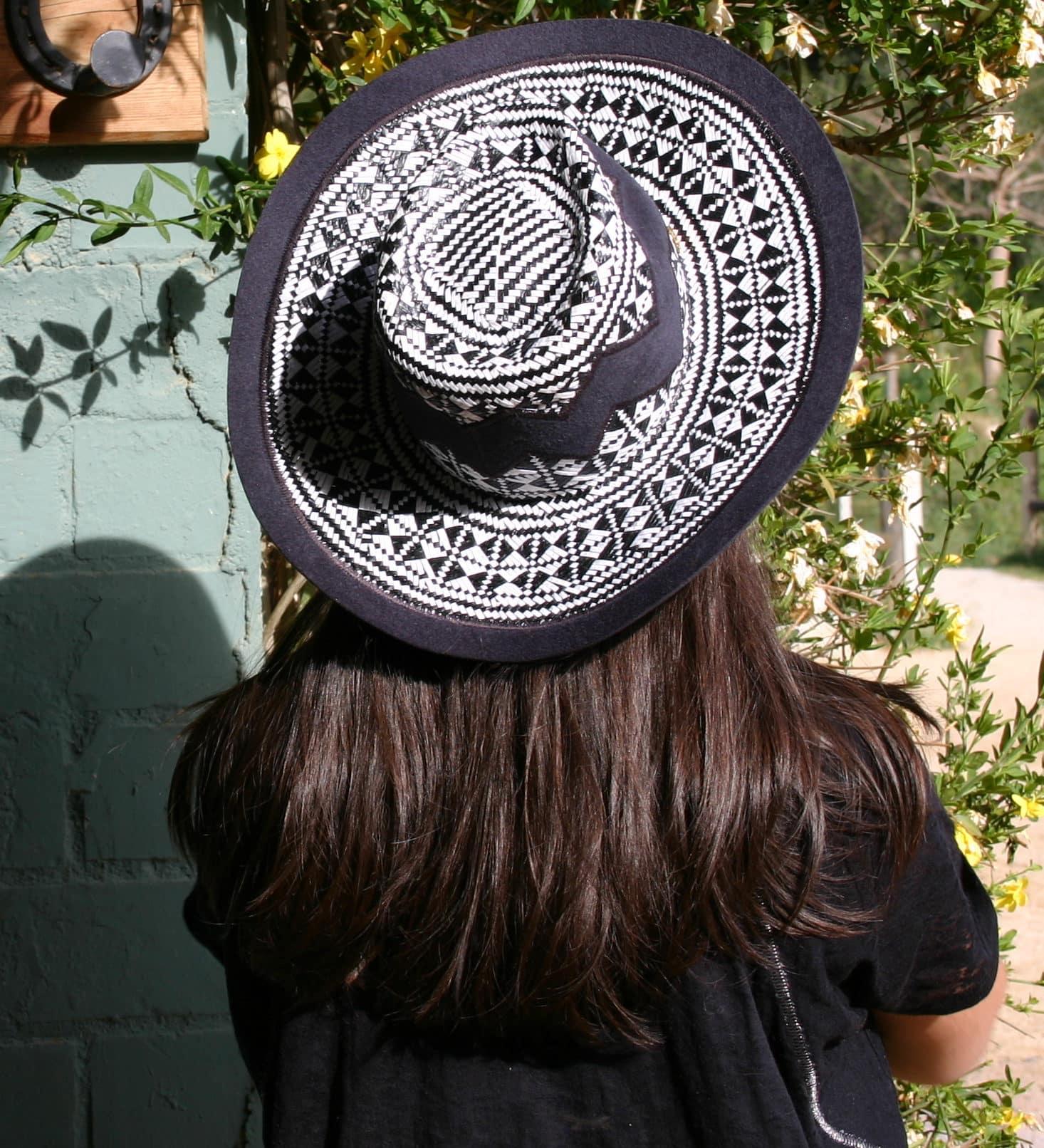 hat minime paris black white panama